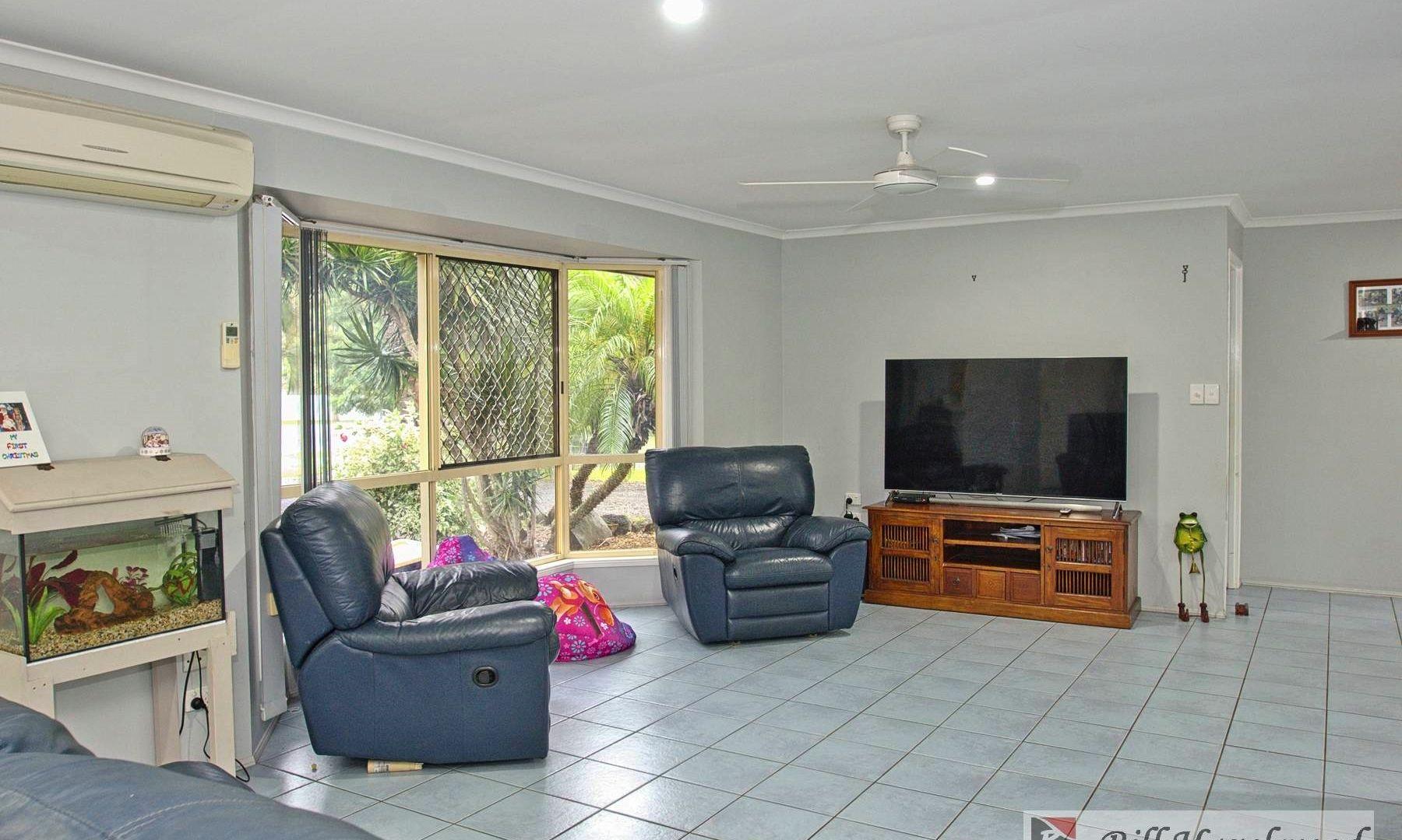 2/8 Elfin Court, Moore Park Beach QLD 4670, Image 2