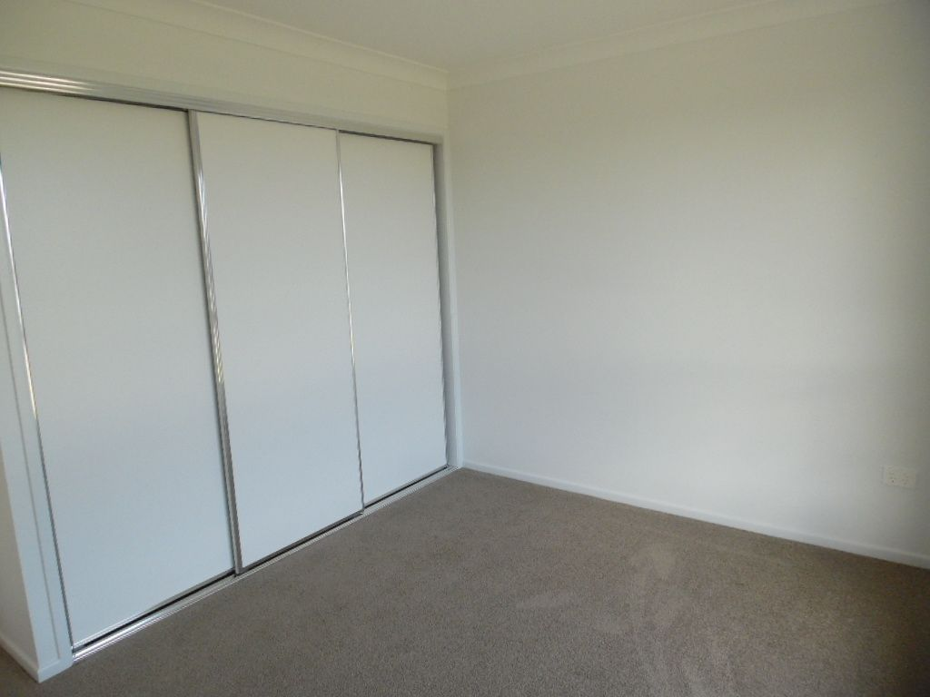 8 Imperial Circuit, Eli Waters QLD 4655, Image 2