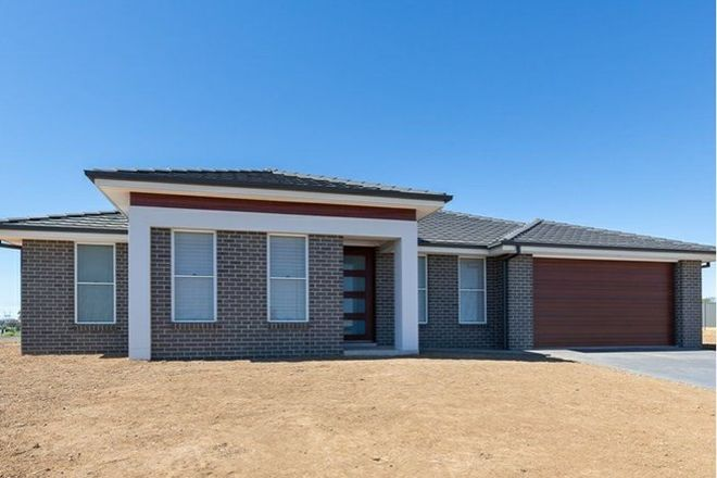 Picture of 3 Angus Place, TAMWORTH NSW 2340