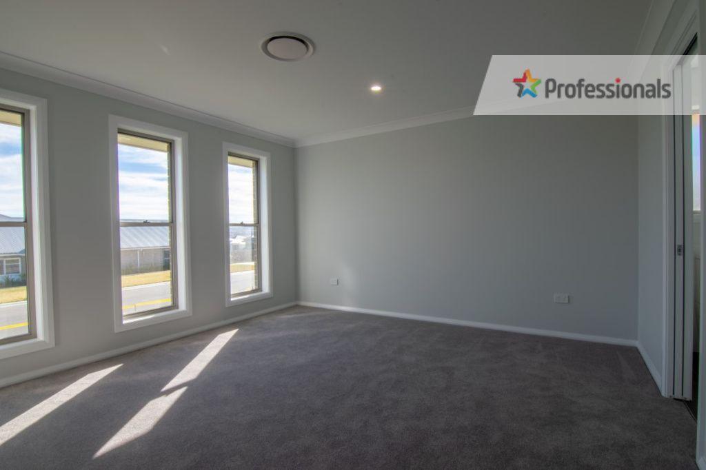10 Barr Street, Windradyne NSW 2795, Image 2