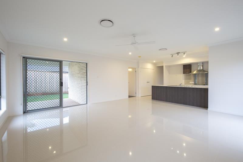 15 Serendipita Street, Bridgeman Downs QLD 4035, Image 1