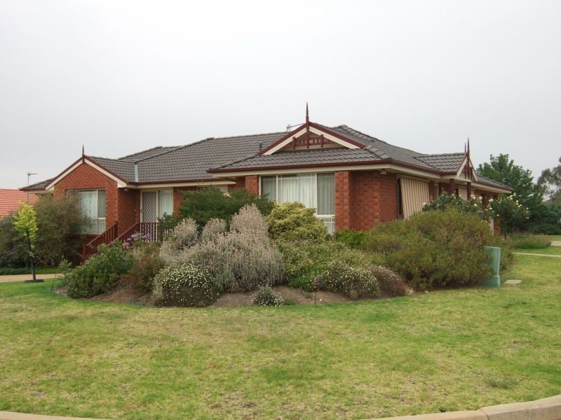 2 Delvin Place, Kooringal NSW 2650, Image 0