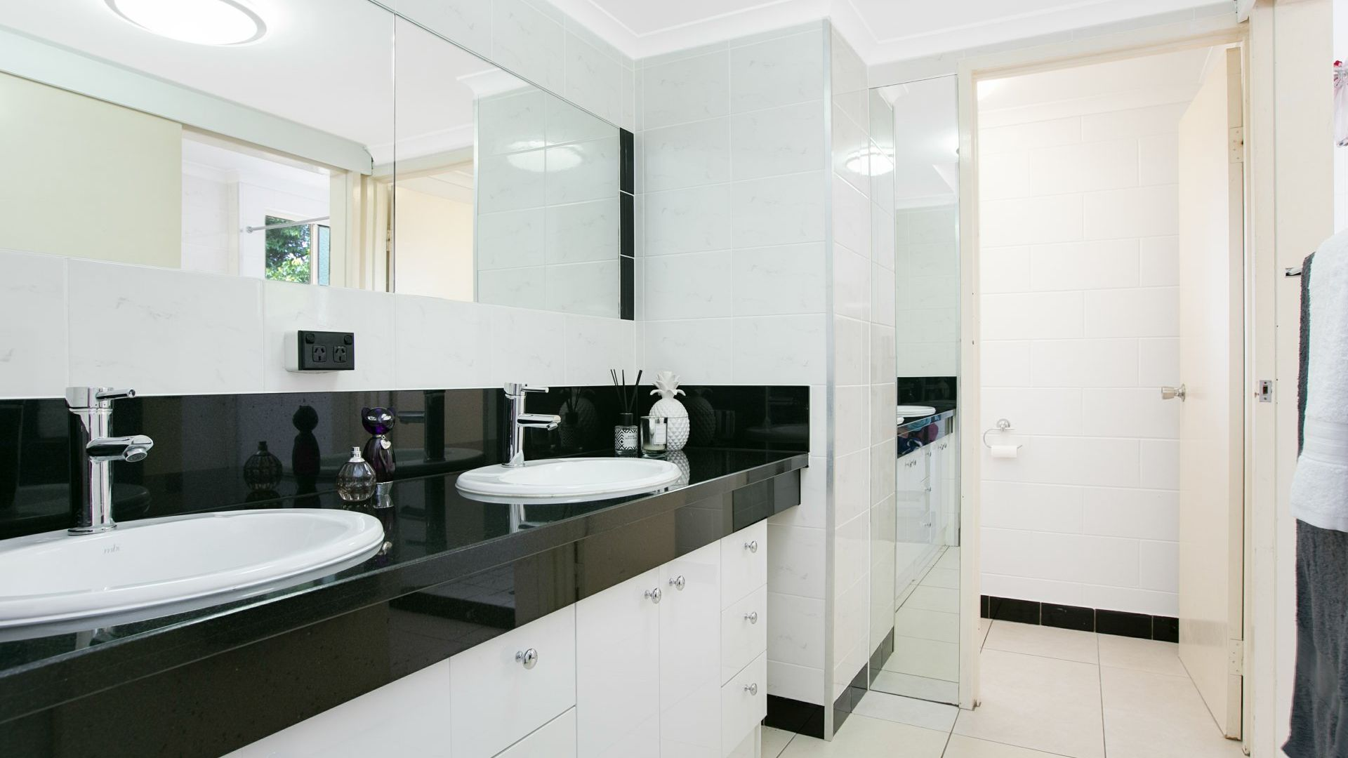 4/13-17 Oyster Court, Trinity Beach QLD 4879, Image 2