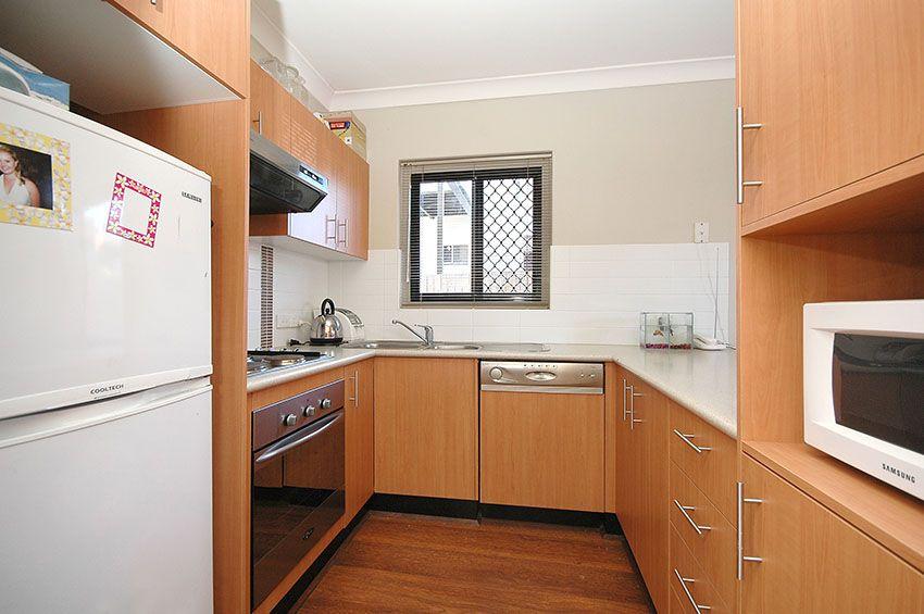 1/8 Kitchener Street, Coorparoo QLD 4151, Image 1