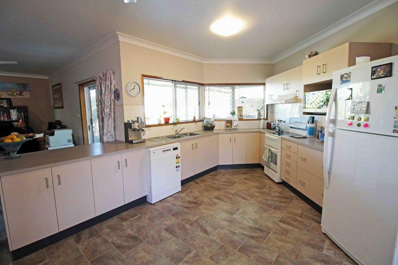 8 Tumbare Street, Atherton QLD 4883, Image 2