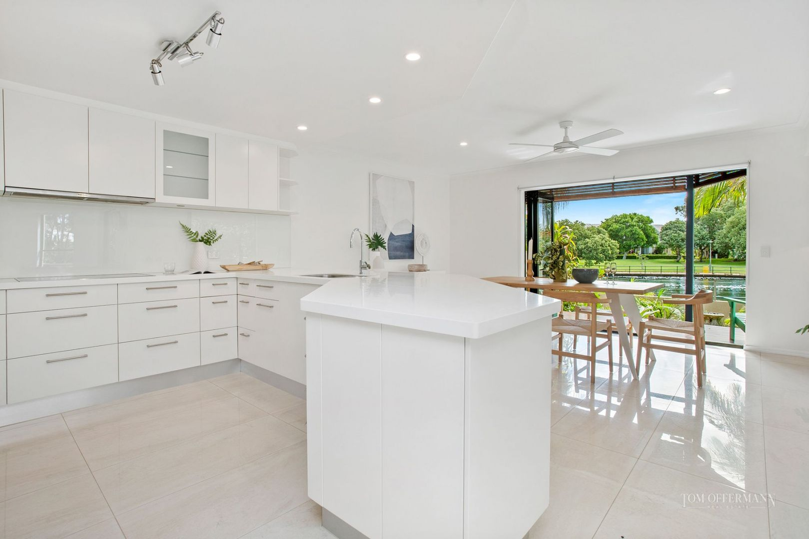 2/21 Laburnum Crescent, Noosaville QLD 4566, Image 2