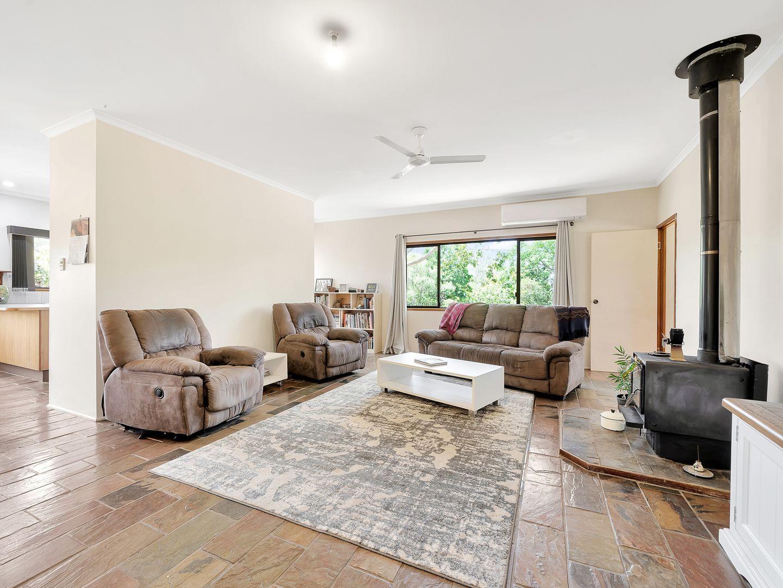 13 Wattle Street, Esk QLD 4312, Image 2