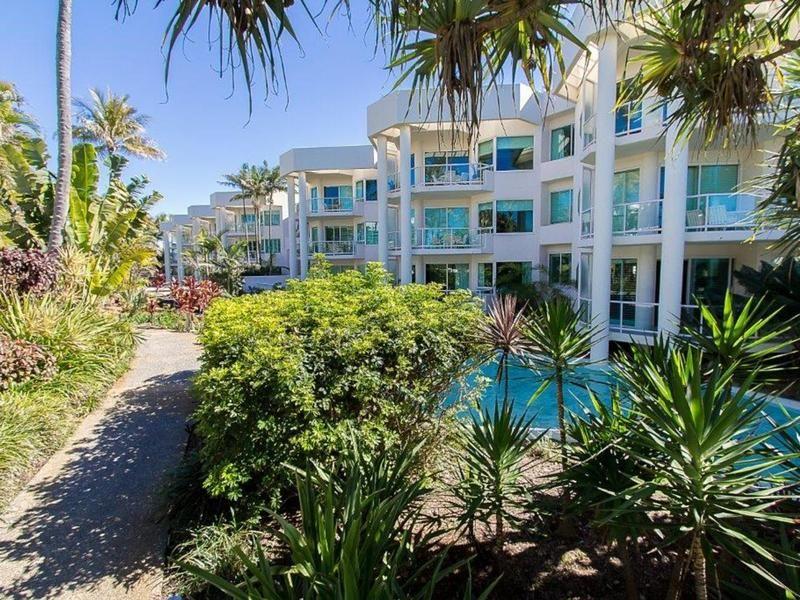 V38/135 Seaworld Drive, Main Beach QLD 4217, Image 1