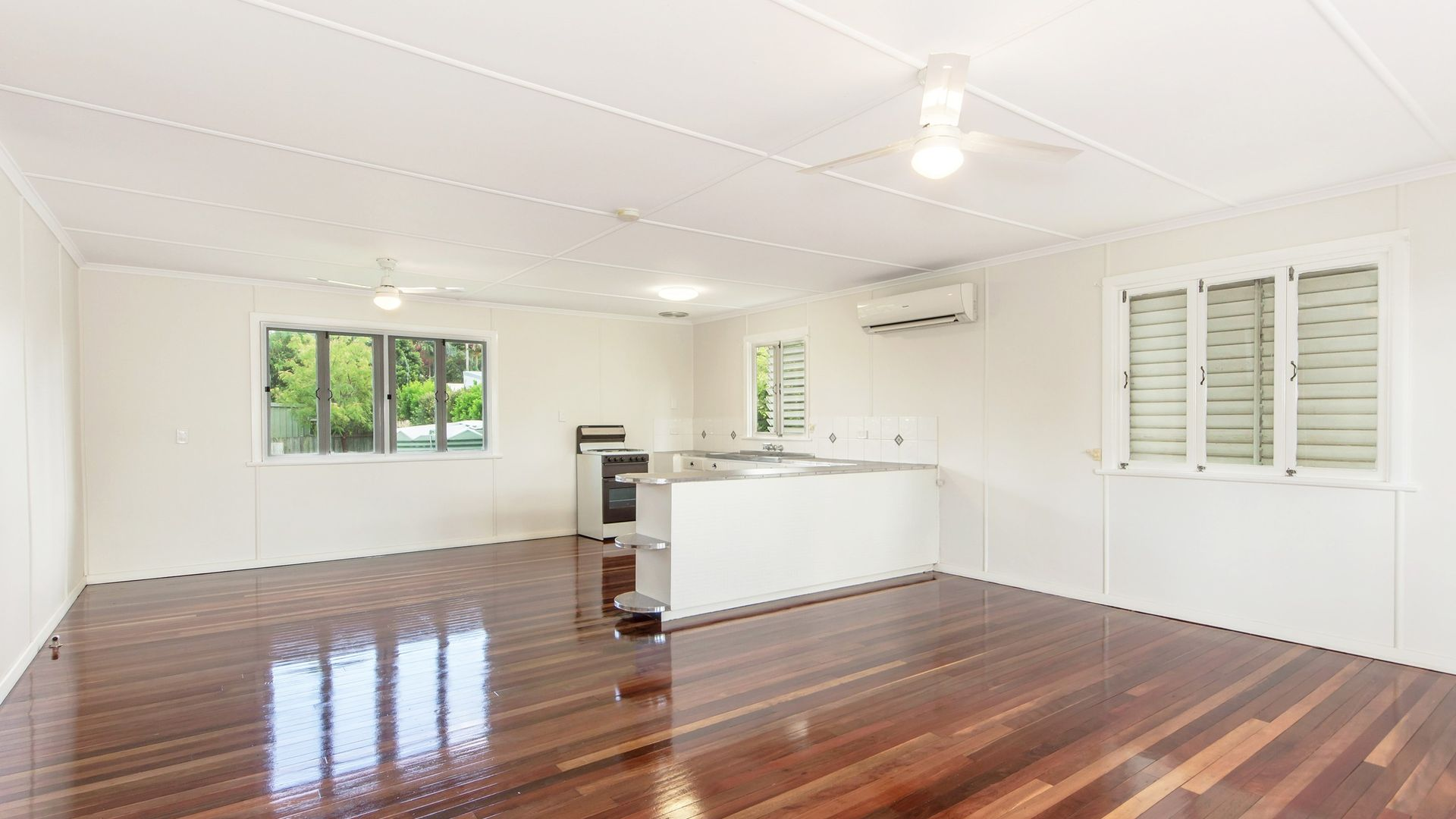 105 CEMETERY ROAD, Raceview QLD 4305, Image 2
