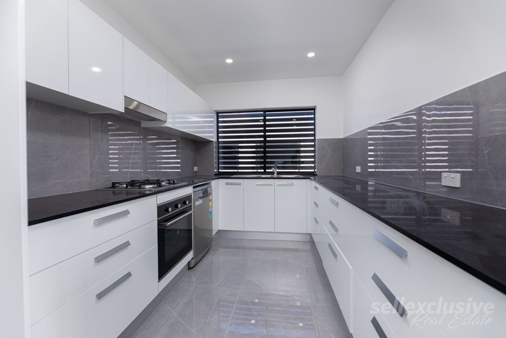 3-5 Spinnaker Drive, Sandstone Point QLD 4511, Image 2