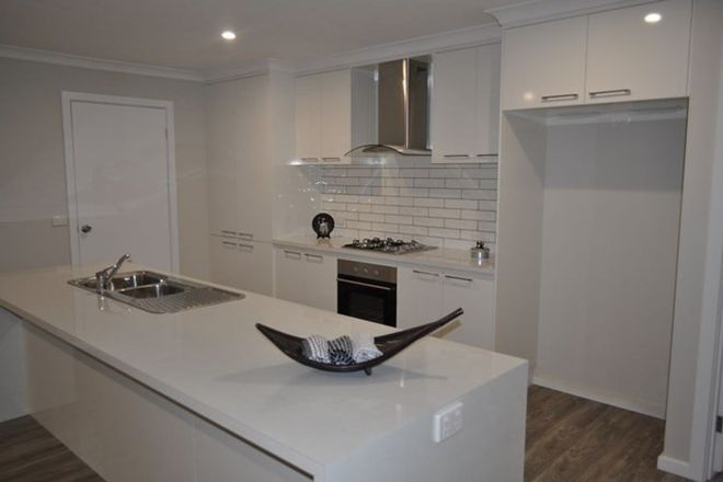 Picture of 46 Carstens Street, LAVINGTON NSW 2641