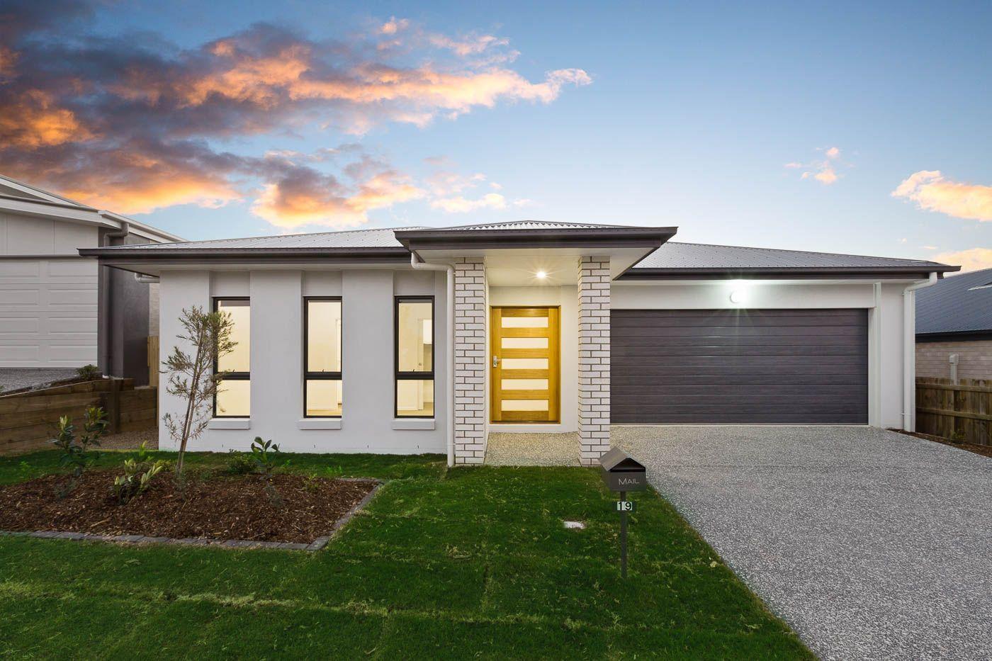 19 Kangaroo Crescent, Springfield Lakes QLD 4300, Image 2