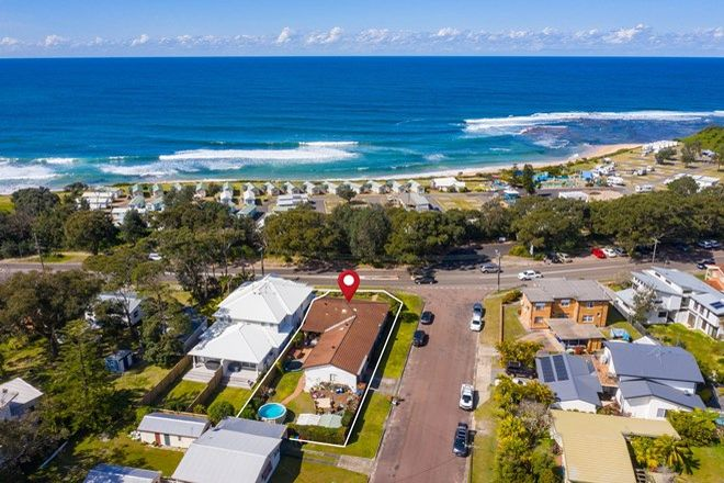 Picture of 53 Bateau Bay Road, BATEAU BAY NSW 2261