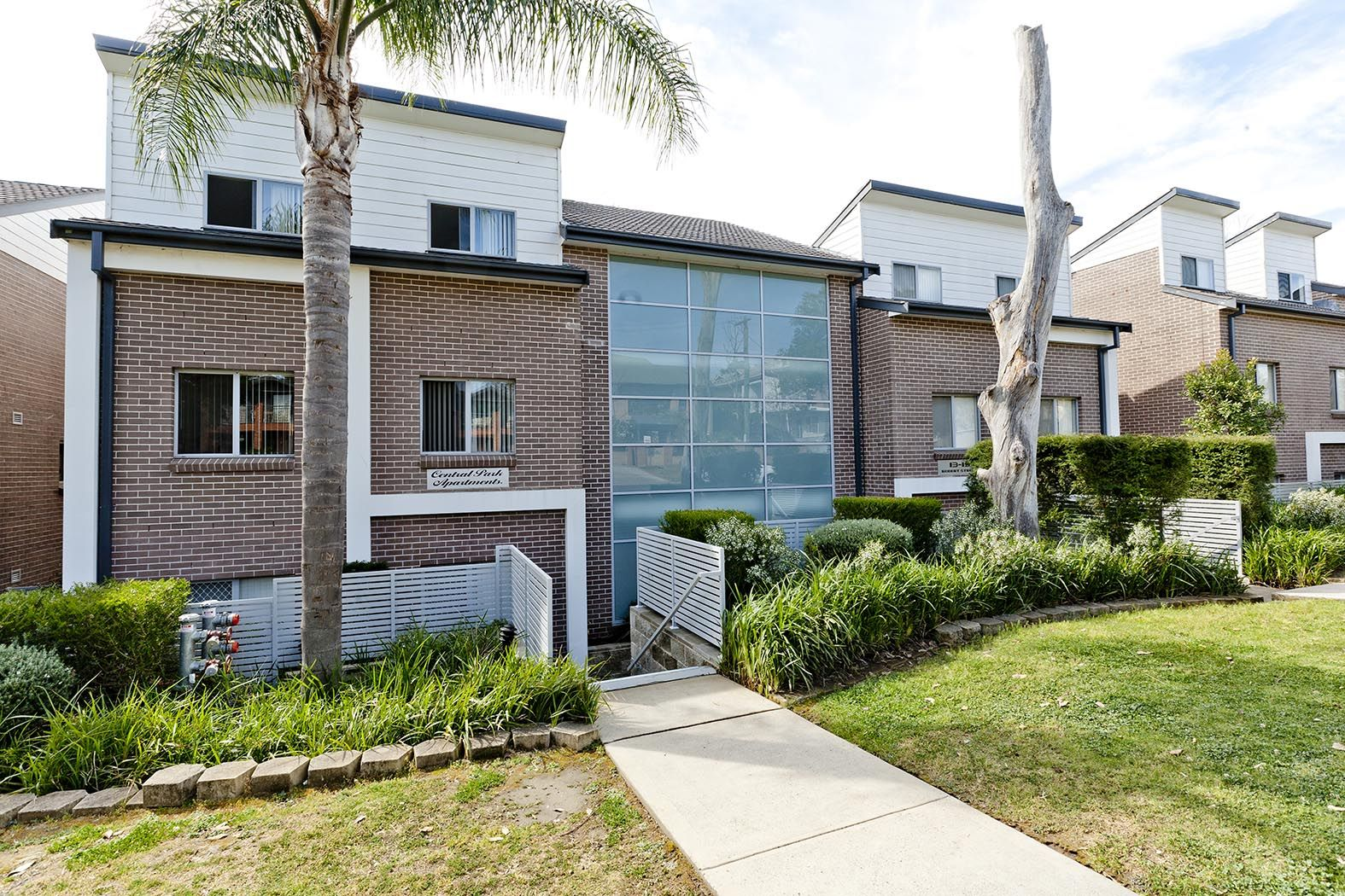 25/13-19 Robert Street, Penrith NSW 2750, Image 0