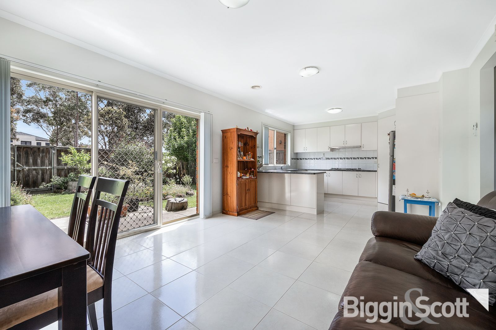 9 Waterford Tce, Keysborough VIC 3173, Image 2