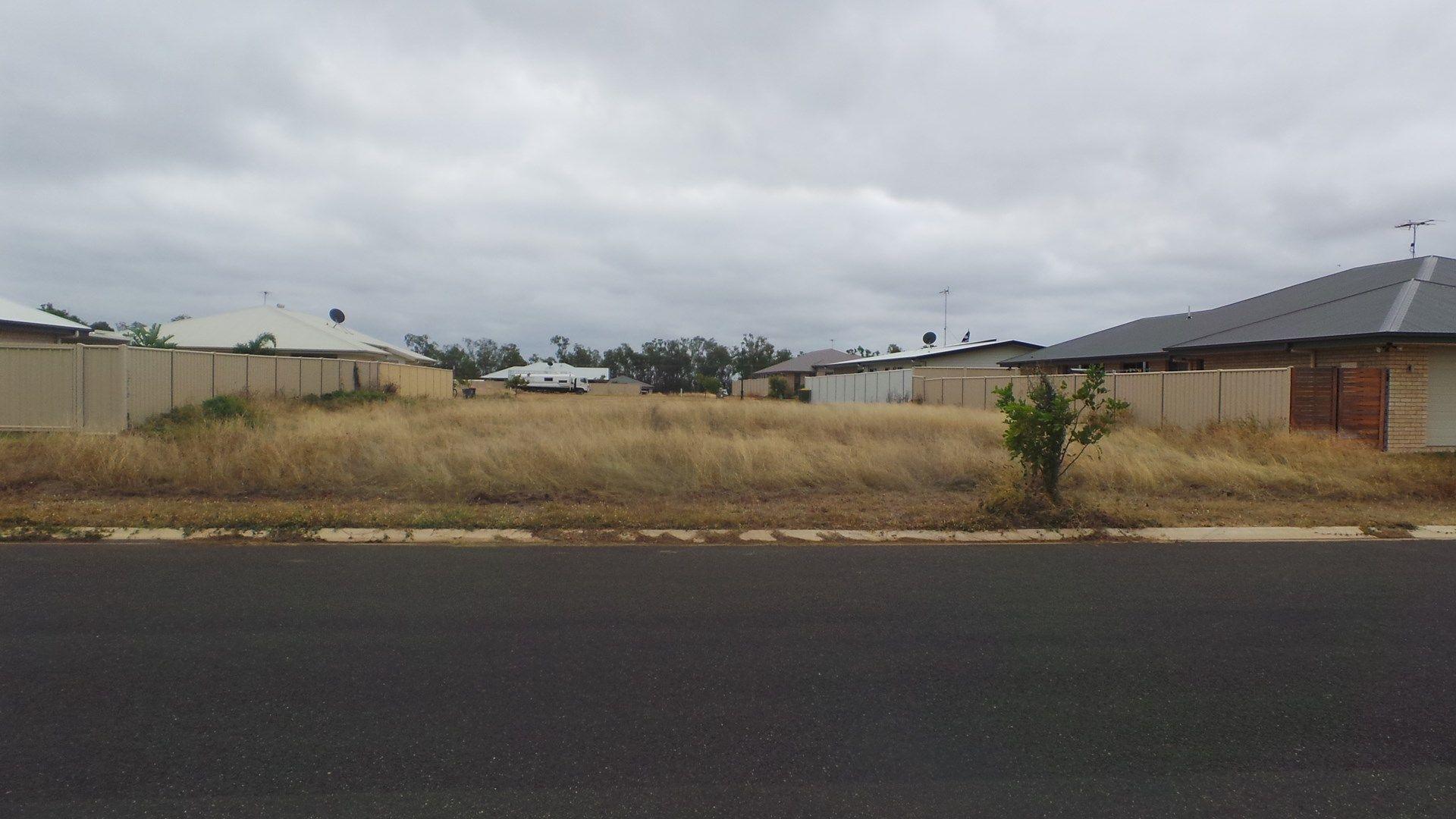 72 Canterbury Road, Emerald QLD 4720, Image 0