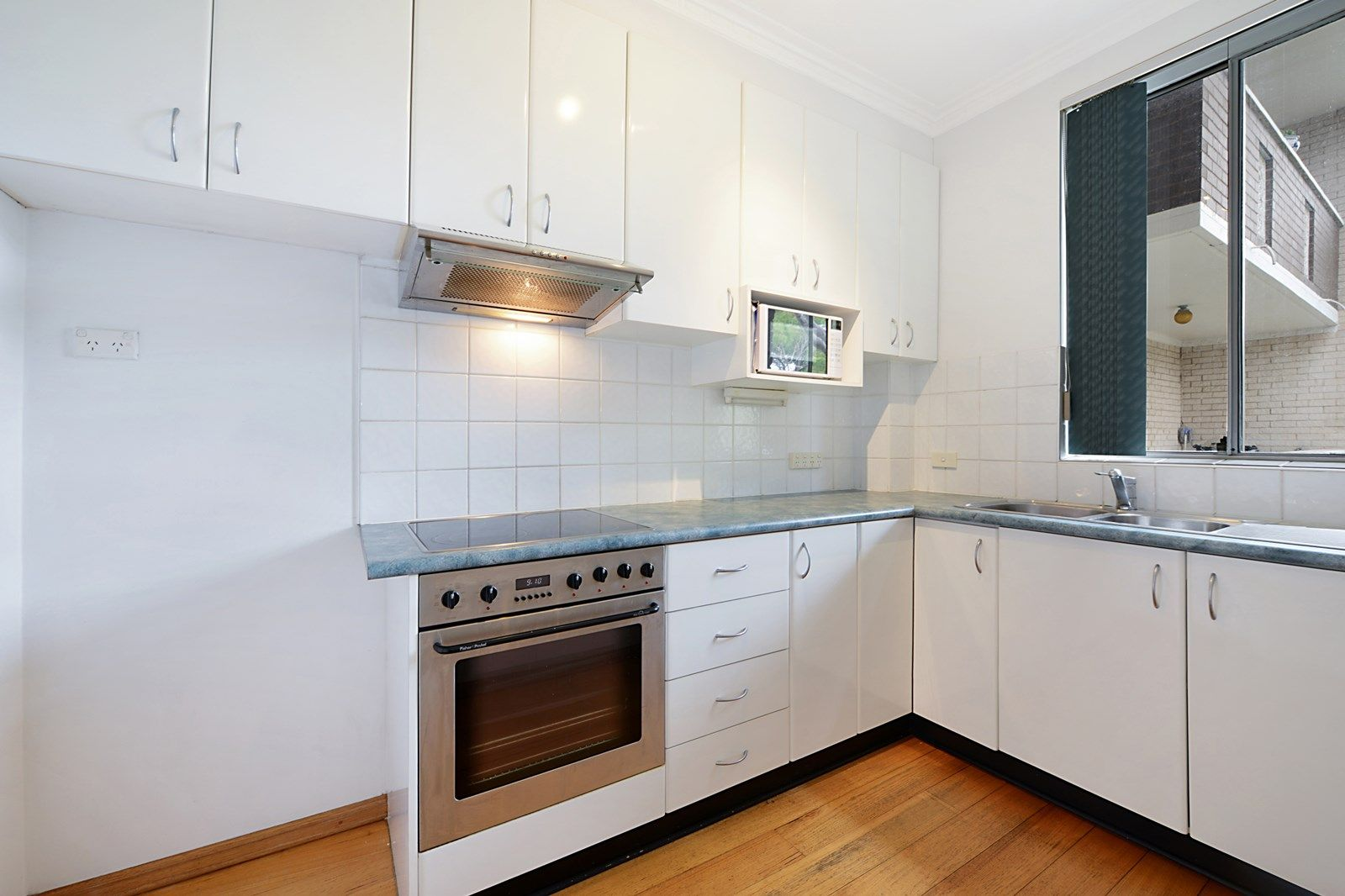 16/32 Dutruc Street, Randwick NSW 2031, Image 2