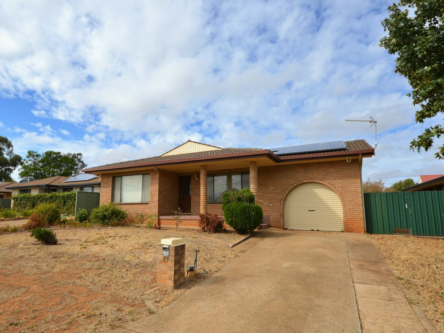 27 Oxley Circle, Dubbo NSW 2830, Image 0
