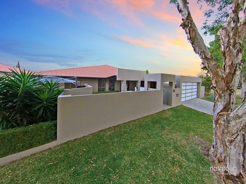 11 Glenwater Crescent, Helensvale QLD 4212, Image 2