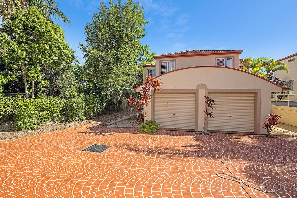 94 Pohlman Street, Southport QLD 4215, Image 2