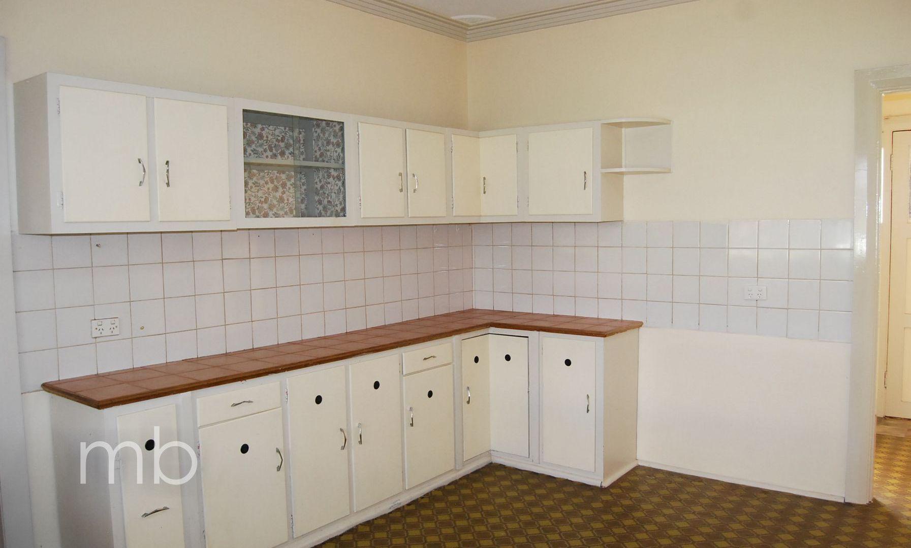 71 Margaret Street, Orange NSW 2800, Image 2