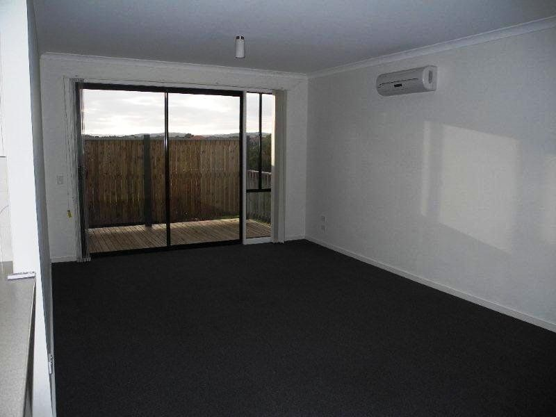 22/9 Petrea Place, Melton West VIC 3337, Image 2