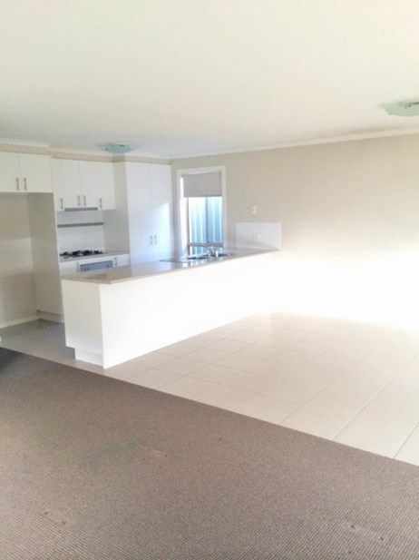 4/6 St George Park Drive, Kangaroo Flat VIC 3555, Image 1