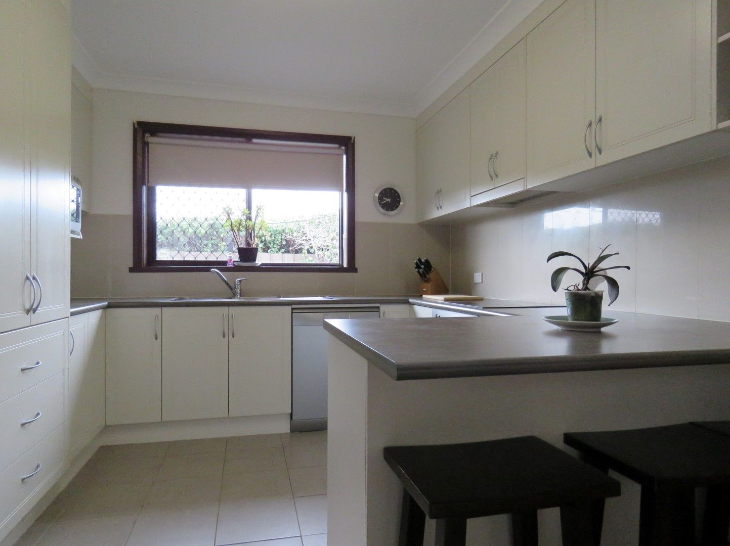 1/475 Ainslie Avenue, Lavington NSW 2641, Image 0