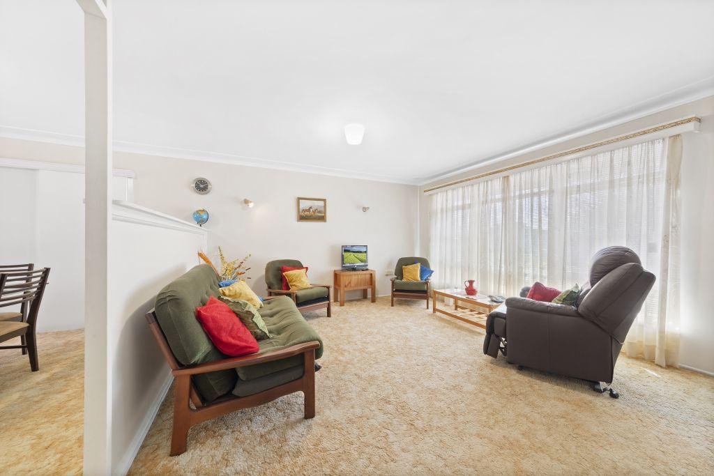 15 Robin Crescent, Woy Woy NSW 2256, Image 1