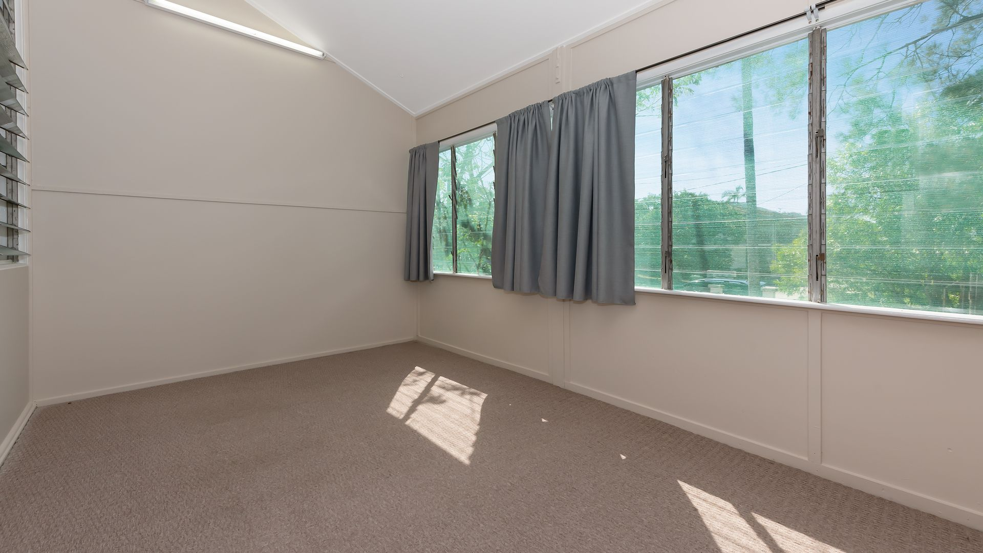 1/39 Clayton Street, Hermit Park QLD 4812, Image 2