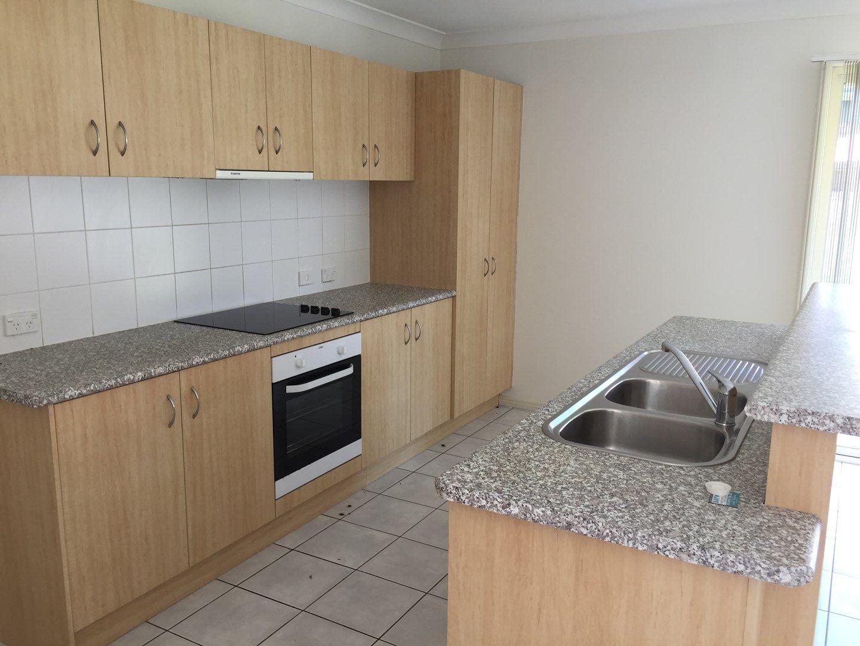 35 Pinewood Street, Wynnum West QLD 4178, Image 0