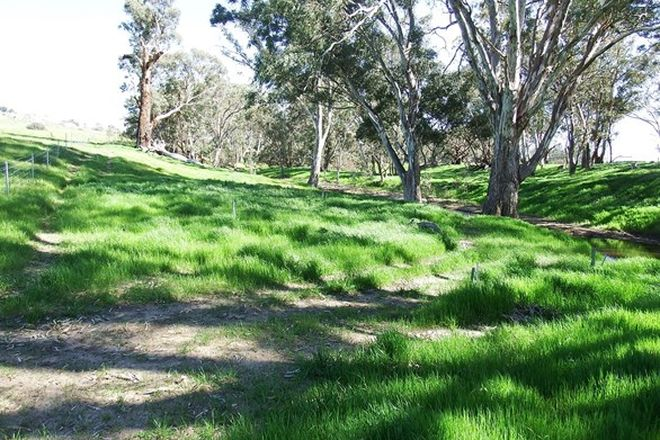 Picture of 547 Longwood-Mansfield Road, CREIGHTONS CREEK VIC 3666