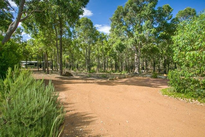 Picture of 8 Ballymore Place, GIDGEGANNUP WA 6083