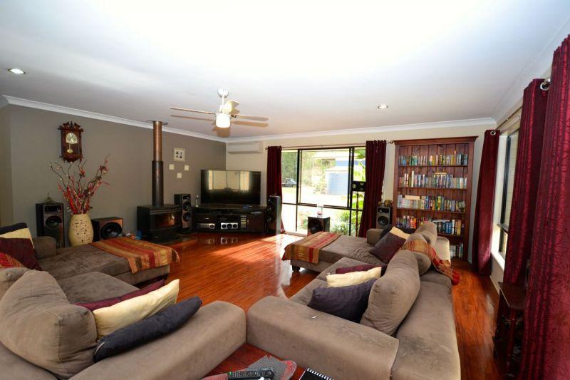 21 Royal Drive, Mount Hallen QLD 4312, Image 1