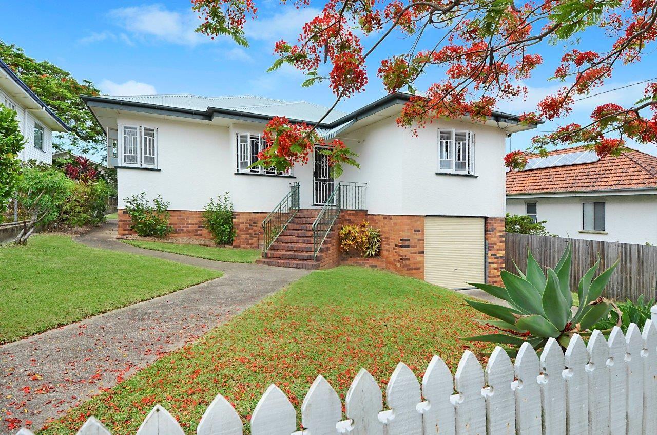 20 Iveagh Avenue, Holland Park West QLD 4121, Image 1