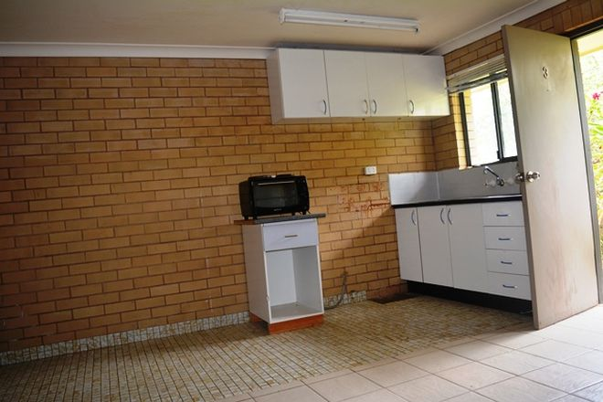 Picture of 3/14 Hawthorn Street, BLACKALL QLD 4472