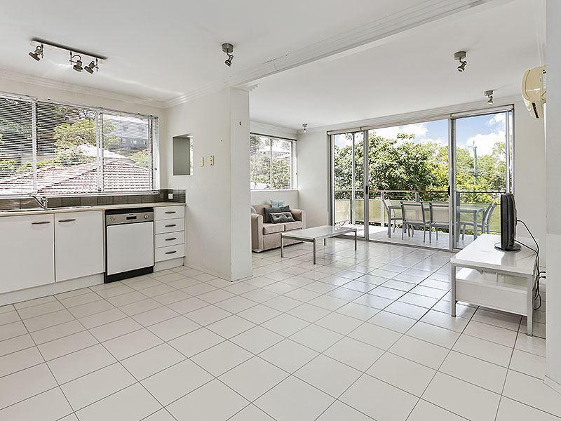 4/85 Lower Cairns Terrace, Paddington QLD 4064, Image 2