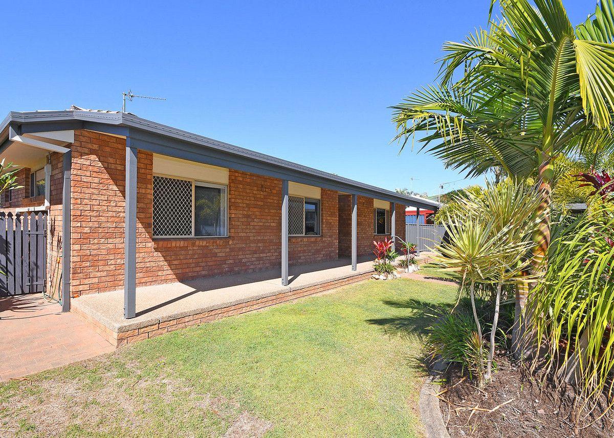 8 Gibbs Street, Urangan QLD 4655, Image 2