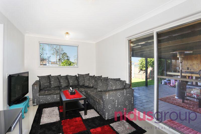37 Standish Avenue, Oakhurst NSW 2761, Image 2