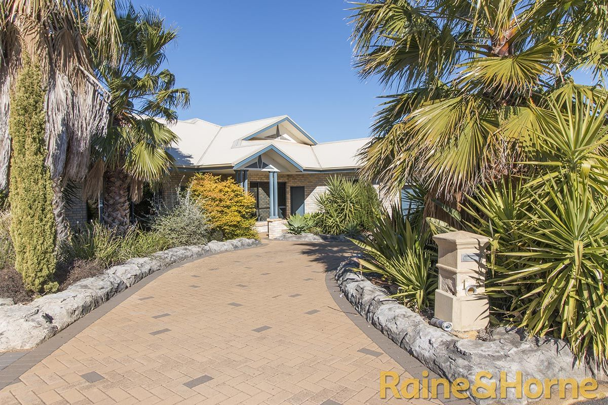15 St Albans Way, Dubbo NSW 2830, Image 1