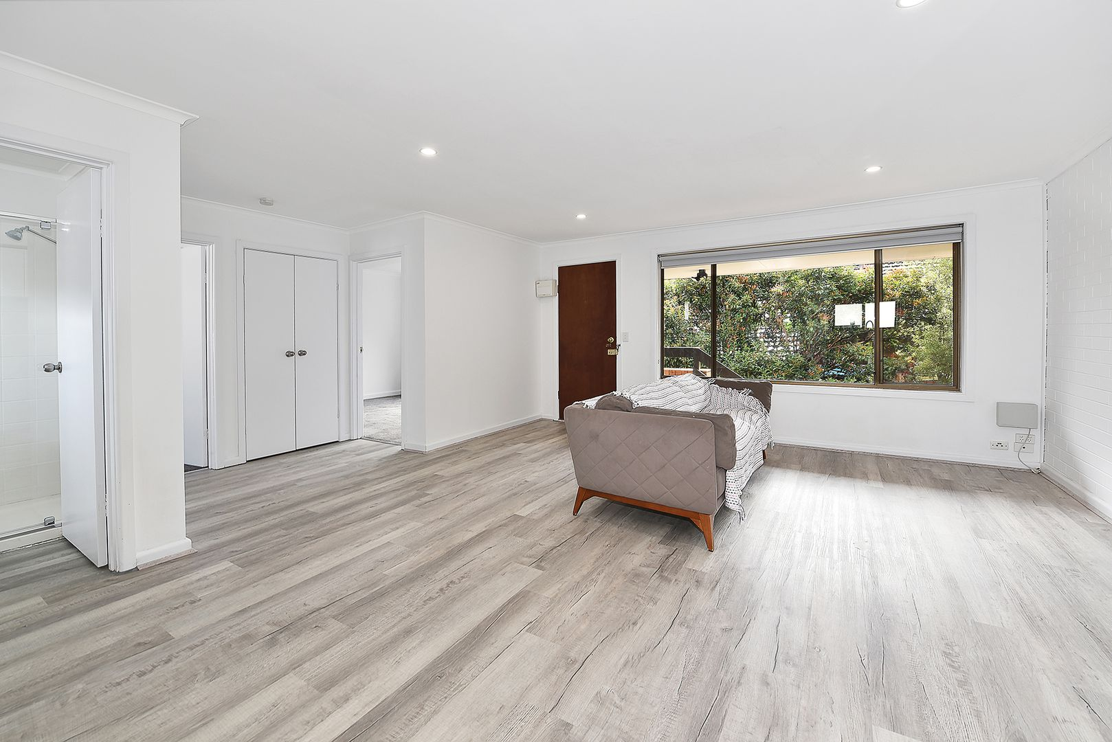 2/22 Laurence Avenue, Airport West VIC 3042, Image 2
