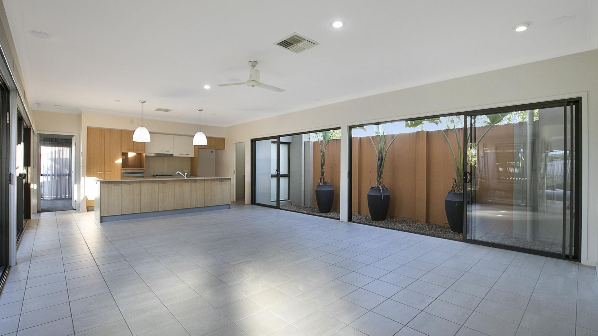 44 Mossvale Drive, Wakerley QLD 4154, Image 2