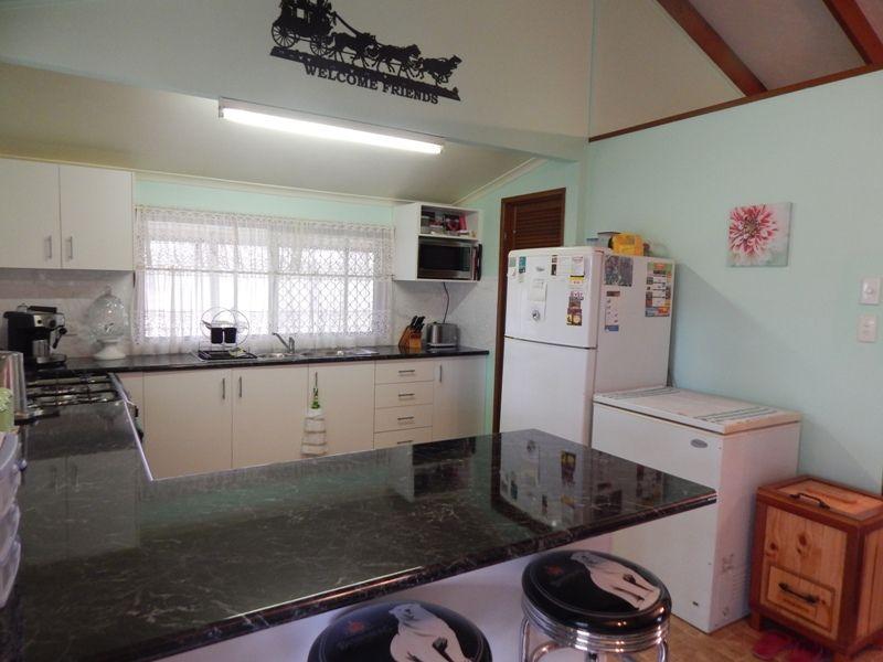 Carbeen Cres, Nanango QLD 4615, Image 1