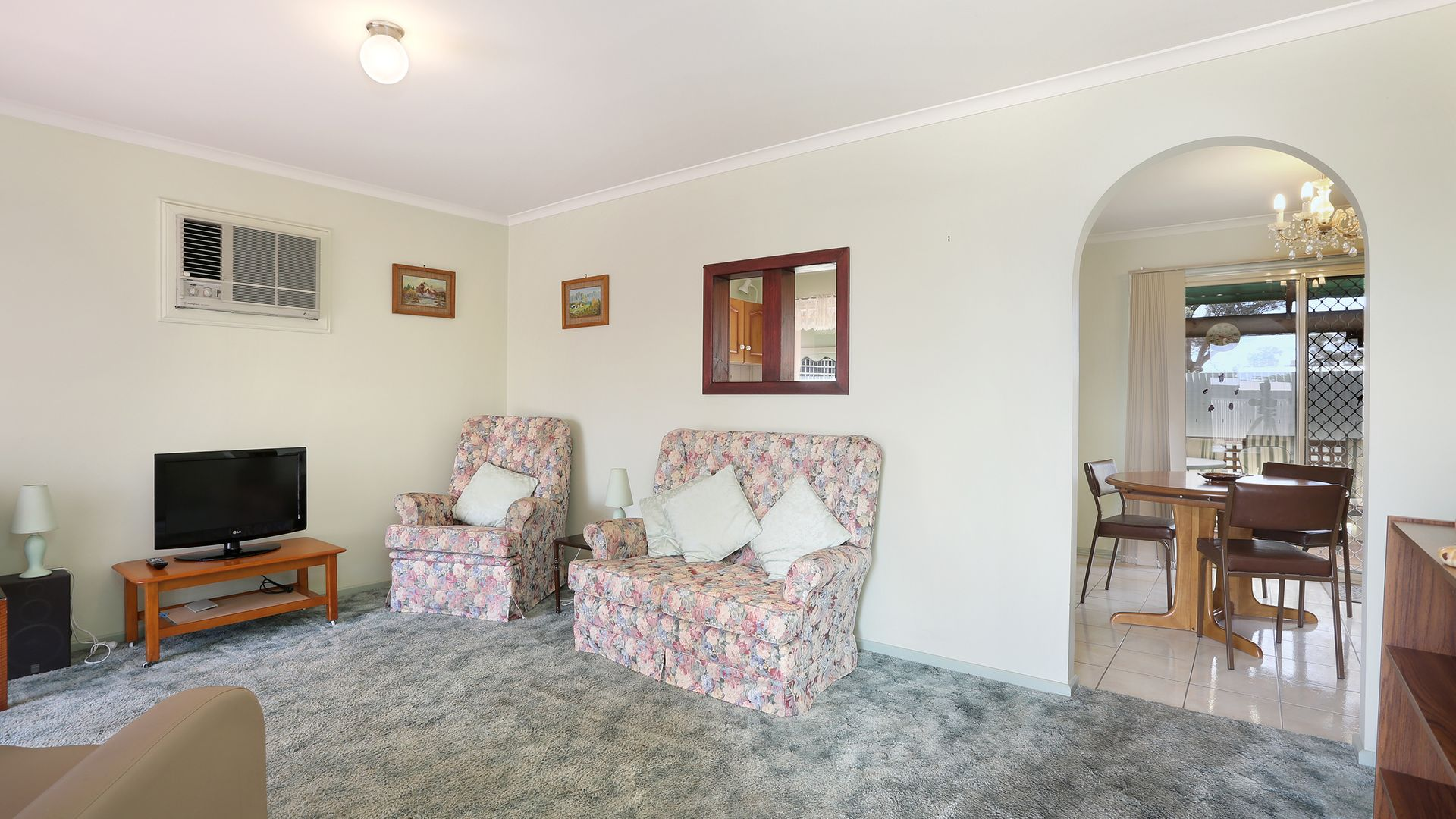 8 Tipperary Court, Salisbury Downs SA 5108, Image 2