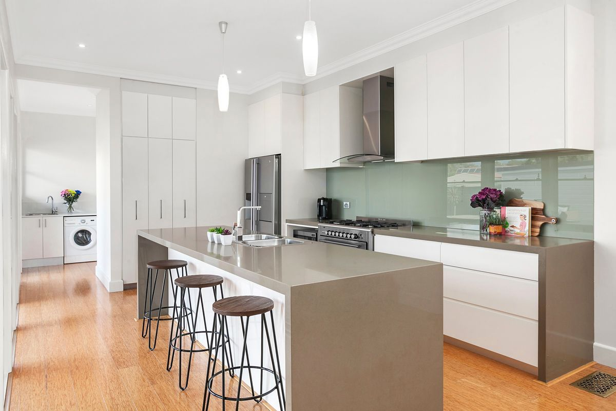 10 Abbott Road, Heathcote NSW 2233, Image 2
