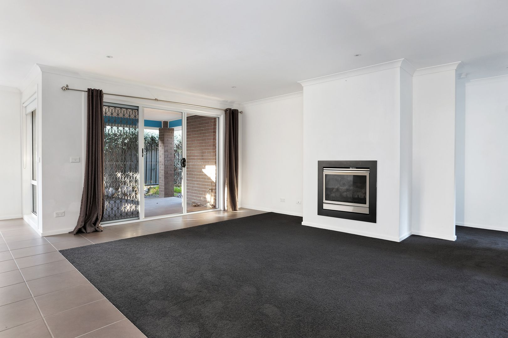 37 Villiers Drive, Point Cook VIC 3030, Image 2