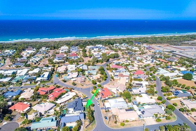 Picture of 5 Camelia Street, BOKARINA QLD 4575