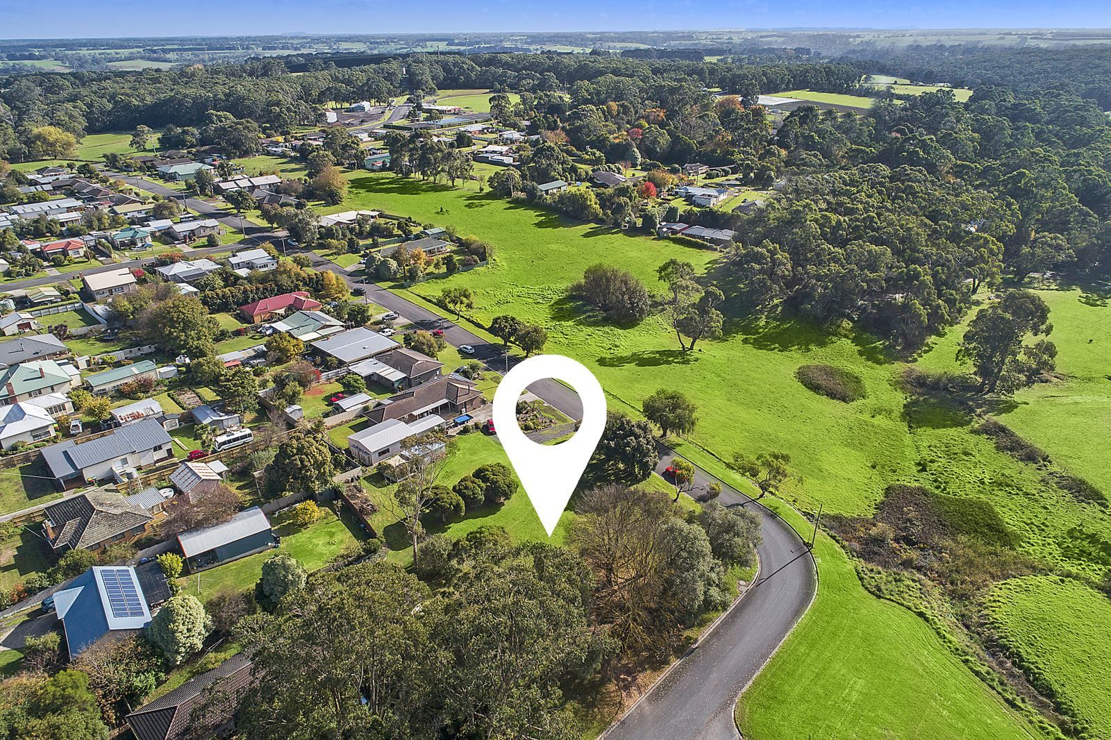 3 Neal St, Timboon VIC 3268, Image 2