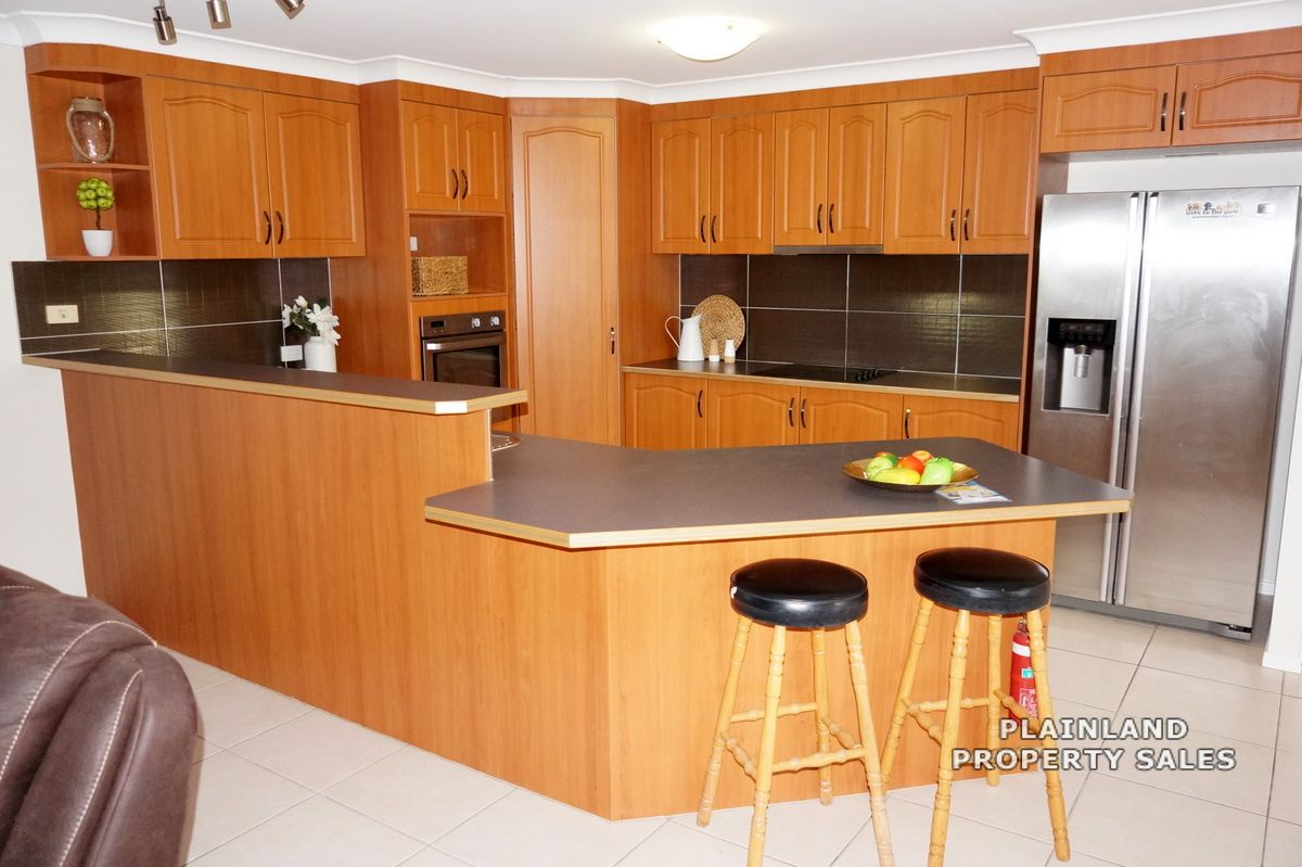 4 Moore Close, Hatton Vale QLD 4341, Image 2