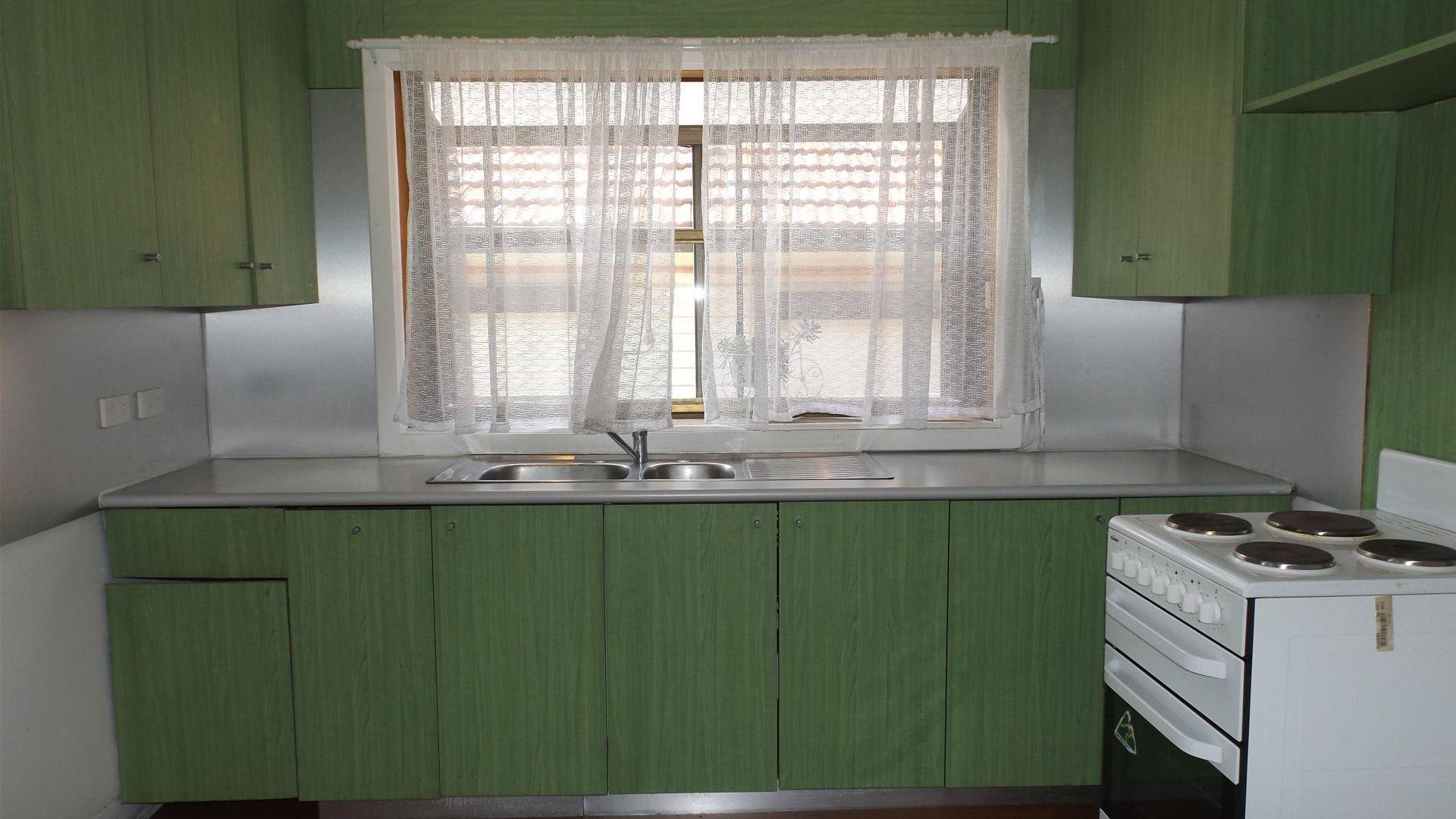 14 Bulwarra Avenue, Sefton NSW 2162, Image 2